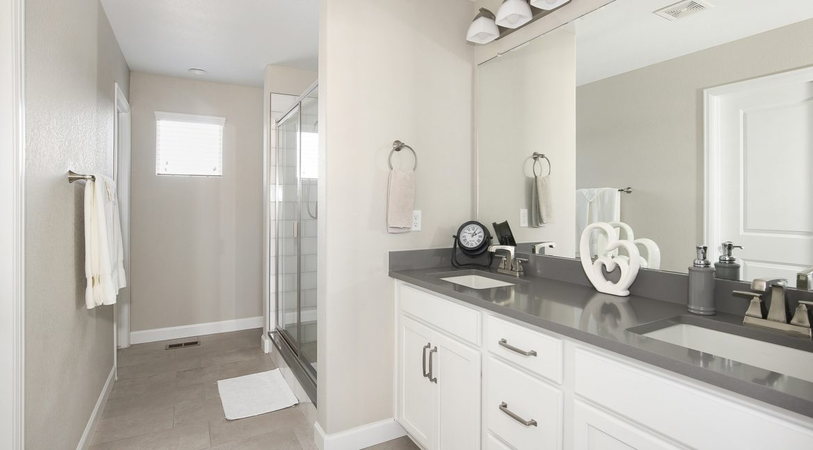 Master Bathroom_MLS